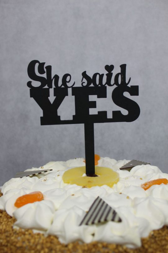 taarttopper van hout she said yes