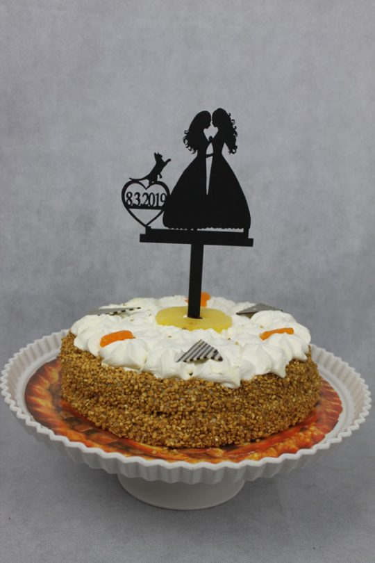 taarttopper bestaande uit twee vrouwen